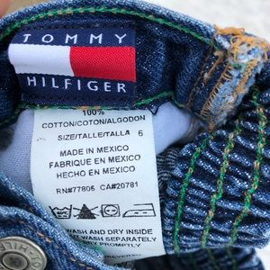 TOMMY HILFIGER Size 6 Months Good condition